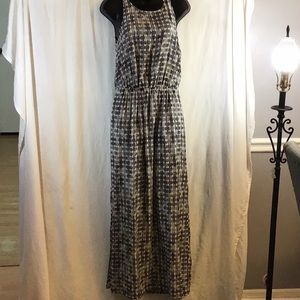 Club Monaco Black/White Maxi Dress Size 2